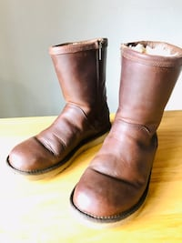 UGG Women's brown leather boots size 8 Elk River, 55330