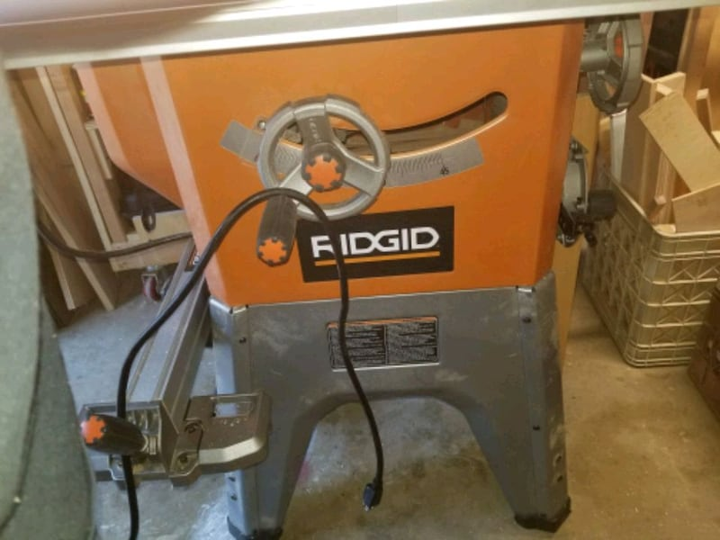 "Ridgid 10"" Table Saw 30cb3a5f-c13f-457e-b94f-918d756b90b8"