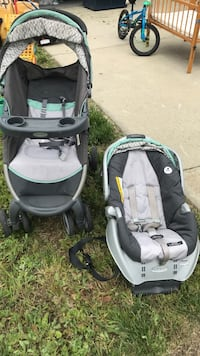 baby's gray and green travel system Pittsburg, 94565
