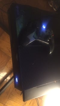 black and gray Xbox One console