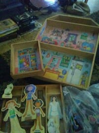 Magnetic paper dolls and clothes