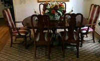 Bernhardt dining room table with 6 chairs Newport Beach, 92663