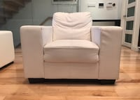 Pissa, white, leather look armchair (used) Toronto, M4L 1T7