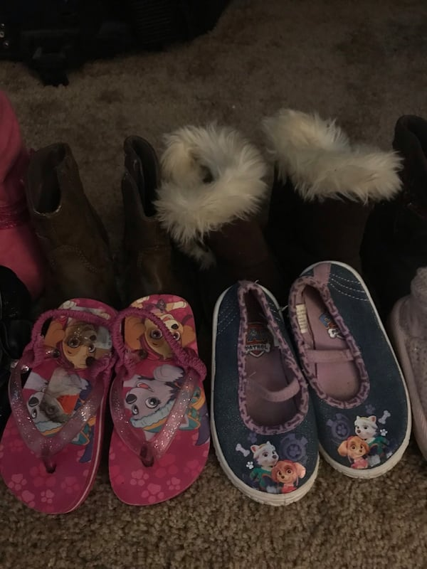 Girl shoes size 5/6  1
