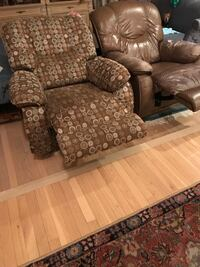 Lazy boy recliners (2) Arlington, 22203