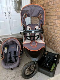 baby's black and gray travel system Cambridge, N1T 1R1