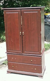 Nice Traditional Style Armoire  Indianapolis, 46201