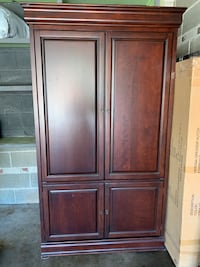 Wood Cabinet. Good condition. Negoatiable