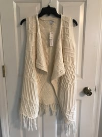 Brand new with tags. Fringe sweater size small Watkinsville, 30677