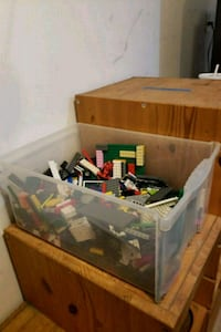 Box of assorted legos there's a bunch  Harpers Ferry, 25425