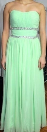 Size 1 evening dress only worn once  Ottawa