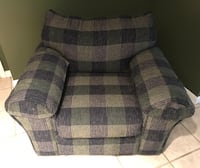 Super comfortable oversized arm chair Perry Hall, 21128