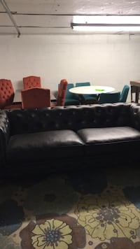 Black leather couch Hopewell, 43746