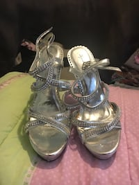 Silver Jewel Heels Lexington, 29072