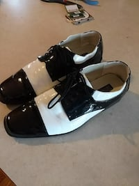 pair of men's black-and-white leather dress shoes Wellington, 80549