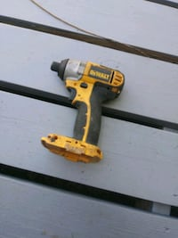 !Dewalt 18 cordless  drills 1 battery and charger!
