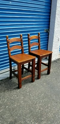 2 rustic counter height barstools. Solid wood. Phoenix, 85027