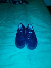 pair of black Nike running shoes Oklahoma City, 73116