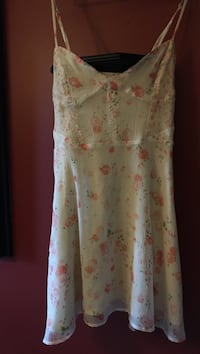 White and pink floral spaghetti strap dress Wasaga Beach, L9Z 2W9