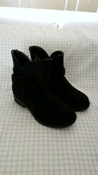 NEW size 9. Toddlers White Mt. Boots Walnut Creek