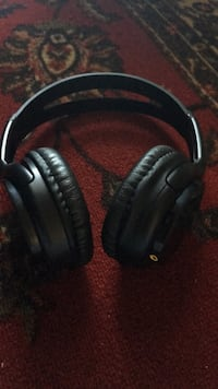 black and gray corded headphones Alexandria, 22305