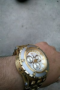 Gold Invicta Subaqua watch Eureka, 95503