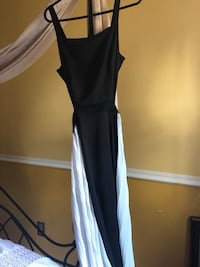 Women's blk & white dress / open back size s/m Philadelphia, 19152
