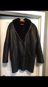 Women's leather coat Ottawa, K1T