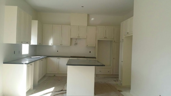 Brand New Complete Kitchen Cabinets Never Use