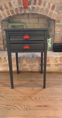 Accent table  Chesapeake, 23323