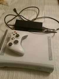 Xbox 360 with Controller and Minecraft  Brampton, L6R