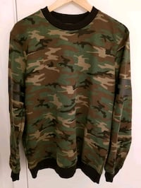 Forever 21 Men's Sweatshirt in size Medium  Montréal, H4N 0B5
