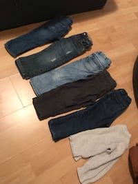 black and gray denim jeans Brossard, J4W 3L2