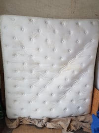 King size Simmons Beautyrest mattress and box spri Victoria Harbour