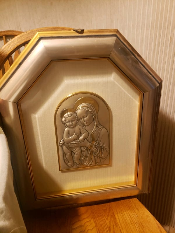 Mother and Child Art Piece a86bf1a9-2710-436e-ab4b-7dc1963a2761