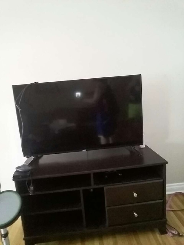 Used Tv Stand 50 Pick Up Only For Sale In Calgary Letgo