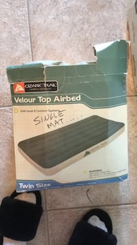 Single air mattress Sarnia, N7S 4L5