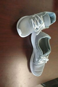 pair of gray-and-white running shoes Worcester, 01605