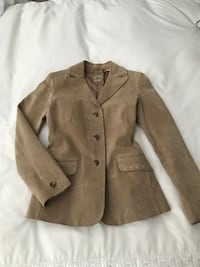 Suede Jacket from Judith and Charles Ogilvy, size small. Reg.398$. Jacket is new, has been worn one time only  Montréal, H1J