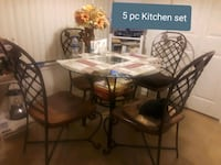 round glass top dining table with 4 chairs Upper Marlboro, 20772