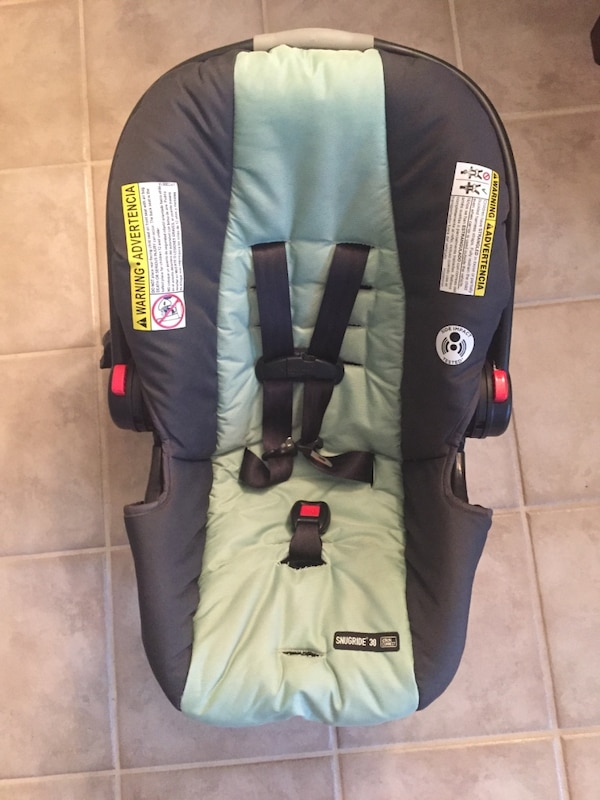 Graco Babys Rear Facing Car Seat In Excellent Condition
