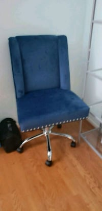 blue and gray rolling chair Bowie, 20721