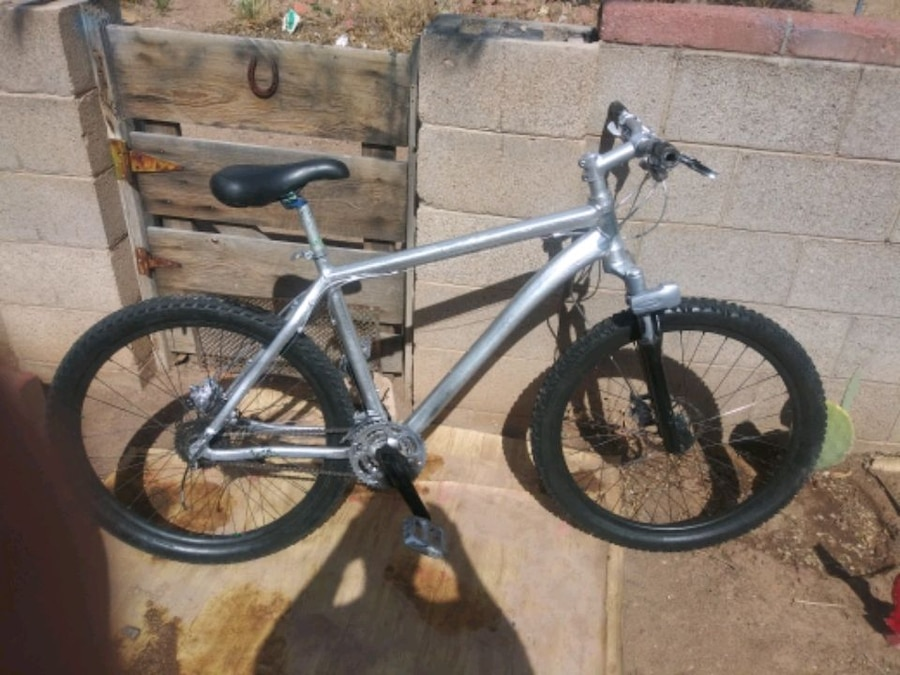 Photo GARY FISHER Light fast men's 27  mountain bike only $85 today