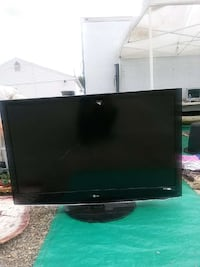 black LG flat screen TV Roanoke, 24012