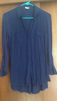 White and blue mossimo button up shirts size small. A little wrinkled, it's both for 4 Beaverton, 97006