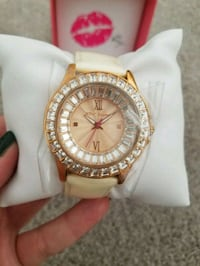 Betsey Johnson Watch 4 km