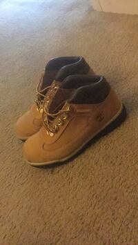Pair of brown timberland work boots size:3.5 Silver Spring, 20902