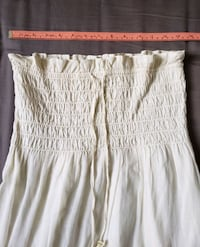 White linen strapless dress. Toronto, M5G 1X8