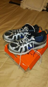 Nike size 10 running shoes Gray, 37615