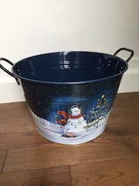 Metal Christmas bucket  London, N6B